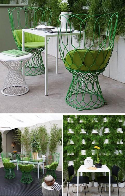 En fin innergård har de också, med Patricia Urquiolas coola stolar.