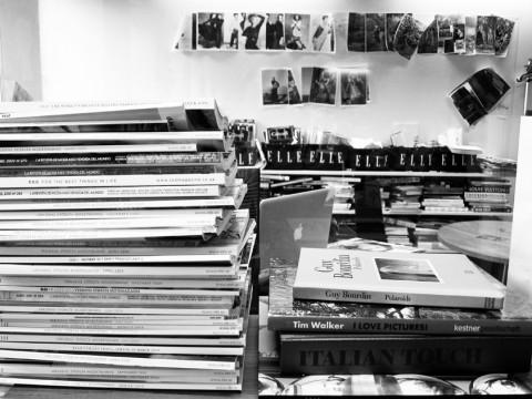 Kreativ arbetsmiljö. En bild föreställande ELLE-redaktionen som jag snott från ELLEs modeassistent Emma Elwins blogg på emsedge.freshnet.se.