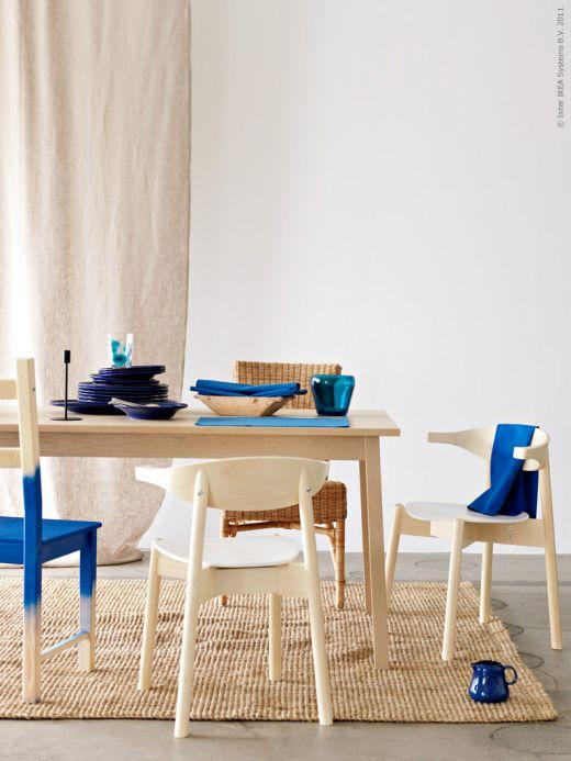Bleka trätoner och klarblått – fint! Foto: Livet hemma