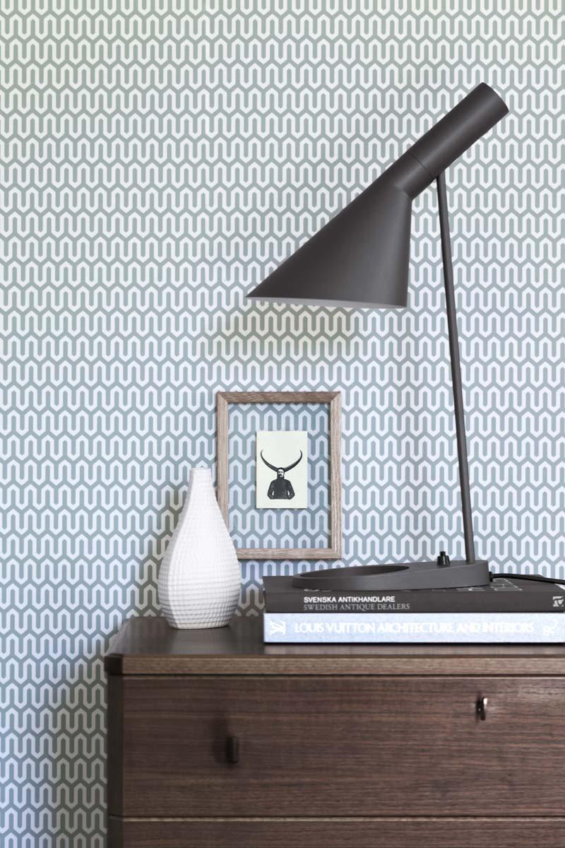 Ypsilon av Arne Jacobsen, finns i fyra färger. (Alla foton: Boråstapeter)