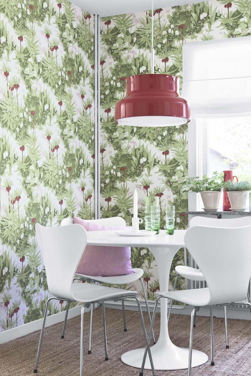 Kejsarkrona av Arne Jacobsen, finns i tre färgställningar.