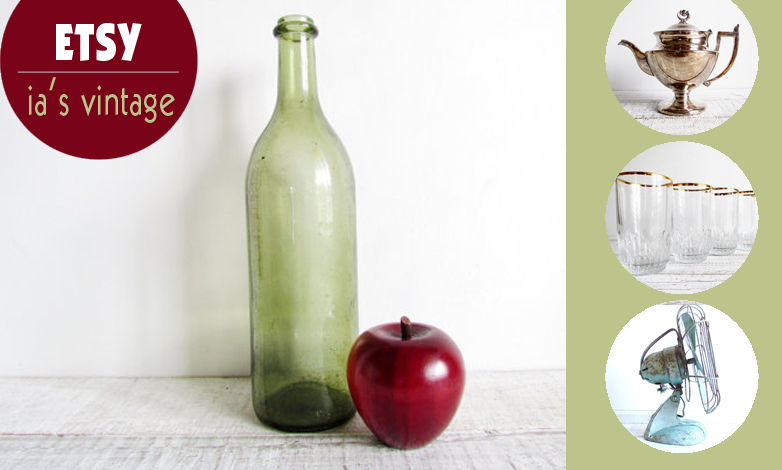 Fina glasflaskor, fläktar och vackert silver. Alla foton: ia's vintage/Etsy
