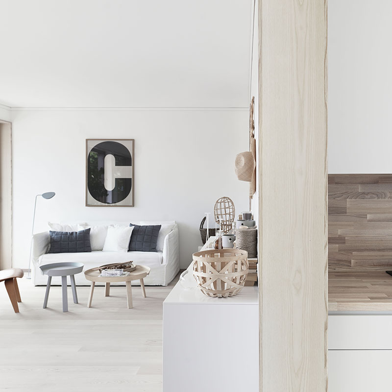 Facing north with gracia giveaway playtype poster with for Decoration maison winners