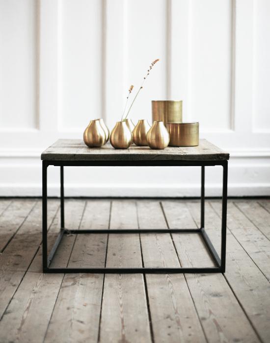 Brass vase by Artilleriet – Husligheter.se