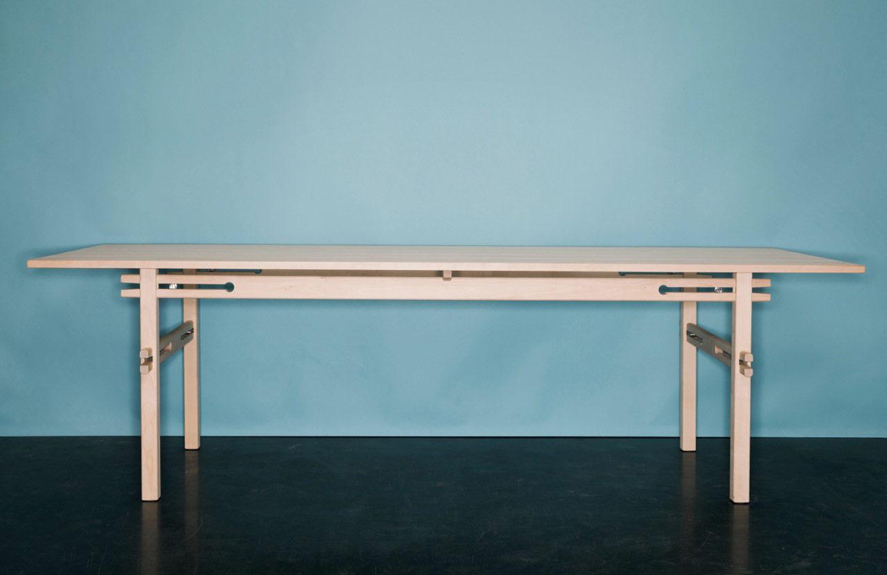 Bordet Spänna av Gustav Person är Årets möbel 2014 enligt Sköna hem. Foto: Kristian Pohl
