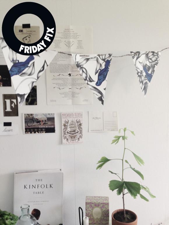 Finfina vimplar av tapeten Blue bird/Photowall. Foto: Trettiosjukvm.