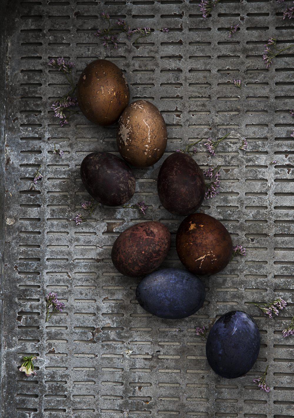 Färga ägg naturligt – Mormorsglamour – Husligheter