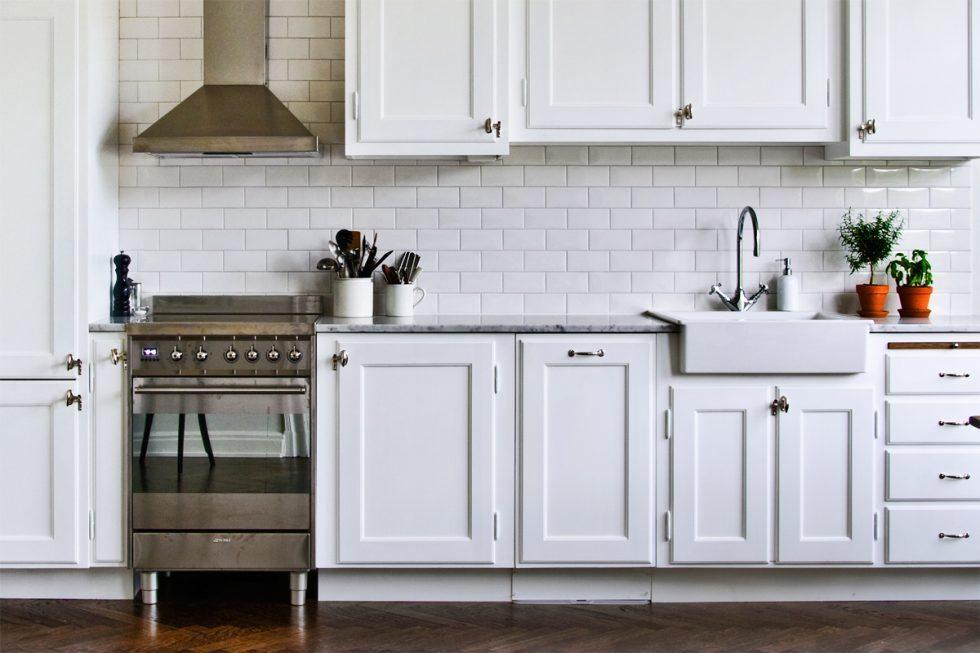 Kök i tidstypisk stil från Byggfabrikens sajt – Husligheter