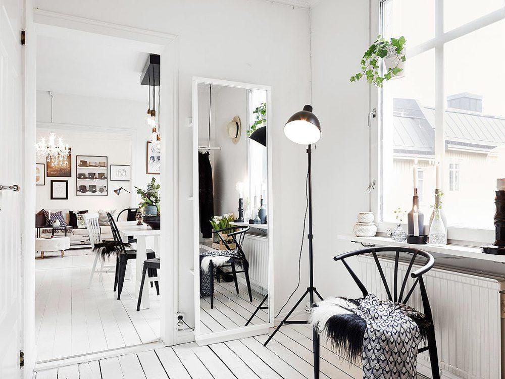 Hall med stor spegel. Foto: Anders Bergstedt/55kvadrat – Husligheter
