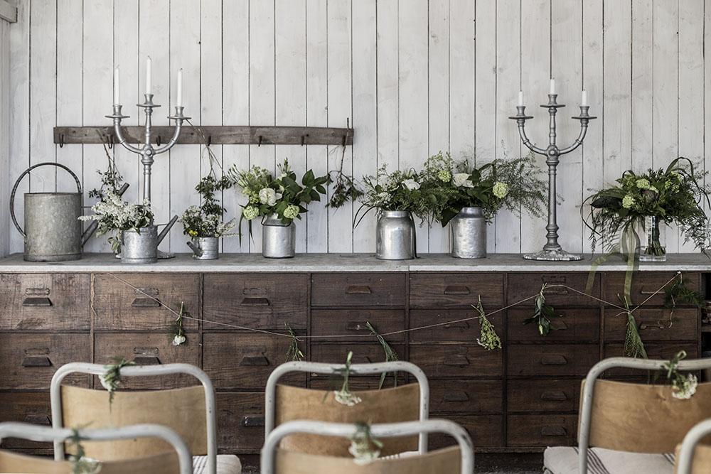 Dekorera med blommor till bröllopet