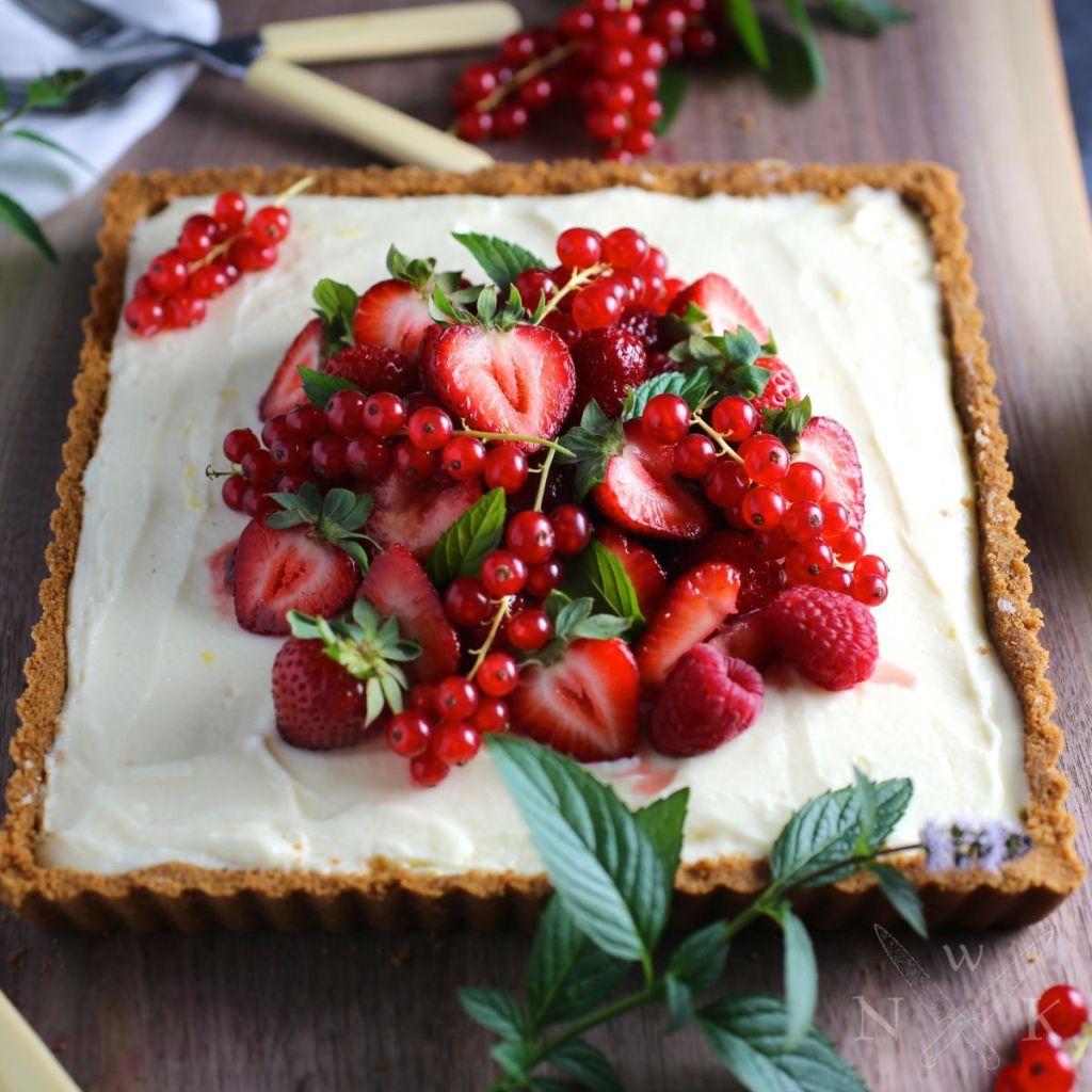 Vackraste midsommartårtan – glad midsommar!