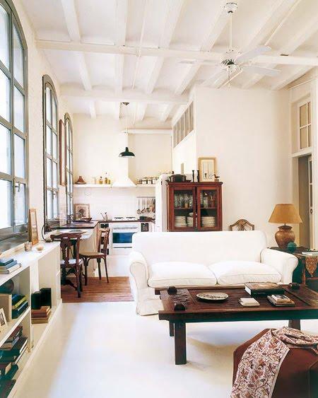 Enkelt men snyggt – och inredningsstilen är lätt att inspireras av även om man inte bor i en fabrik själv.