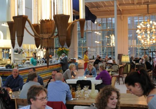Restaurangen i Piet Hein Eeks stora fabriksbyggnad.
