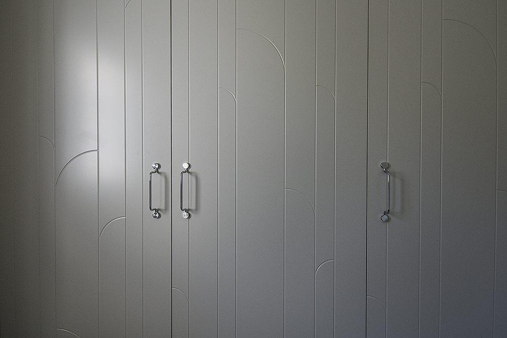 Dörrar och handtag från Superfront (Marais – Ashton Grey) – Husligheter