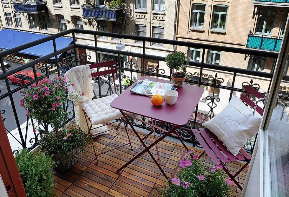 Färgglada balkongmöbler. Inspiration via Alvhem – Husligheter