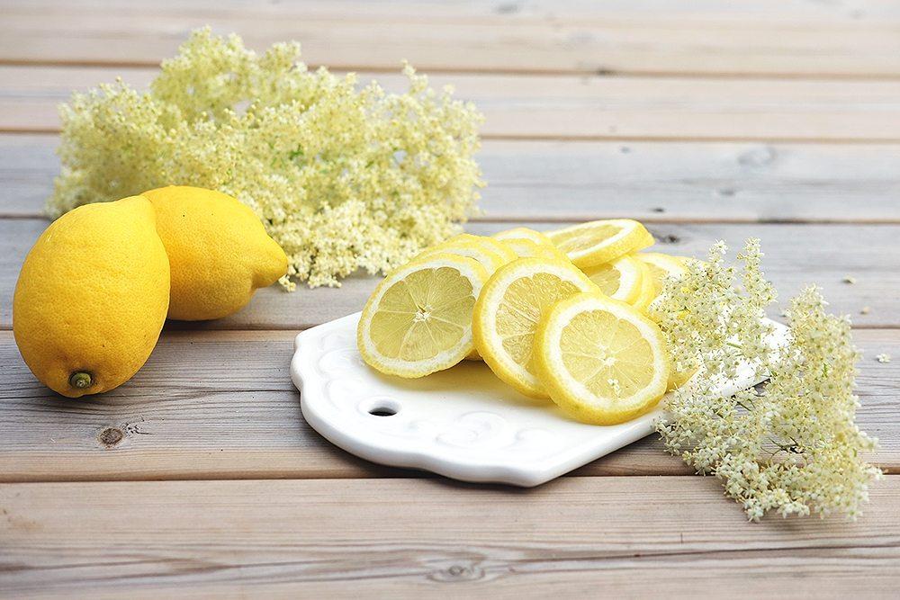 Fläderblommor och citron till flädersaft (recept) – Husligheter