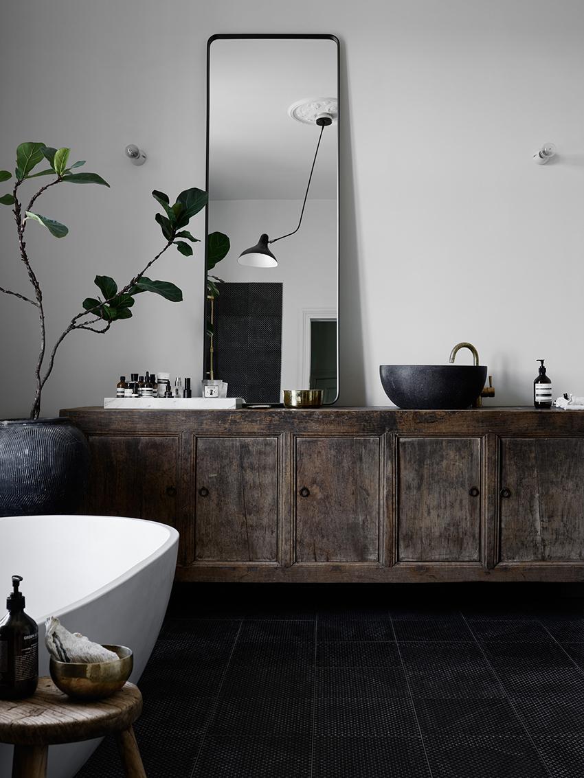 Trä i badrummet – Husligheter