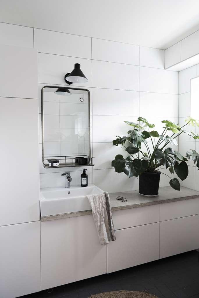 Köksskåp i badrummet, IKEA-hack – Husligheter/Mormorsglamour
