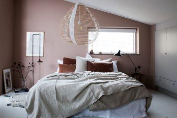sovrum med rosa vägg