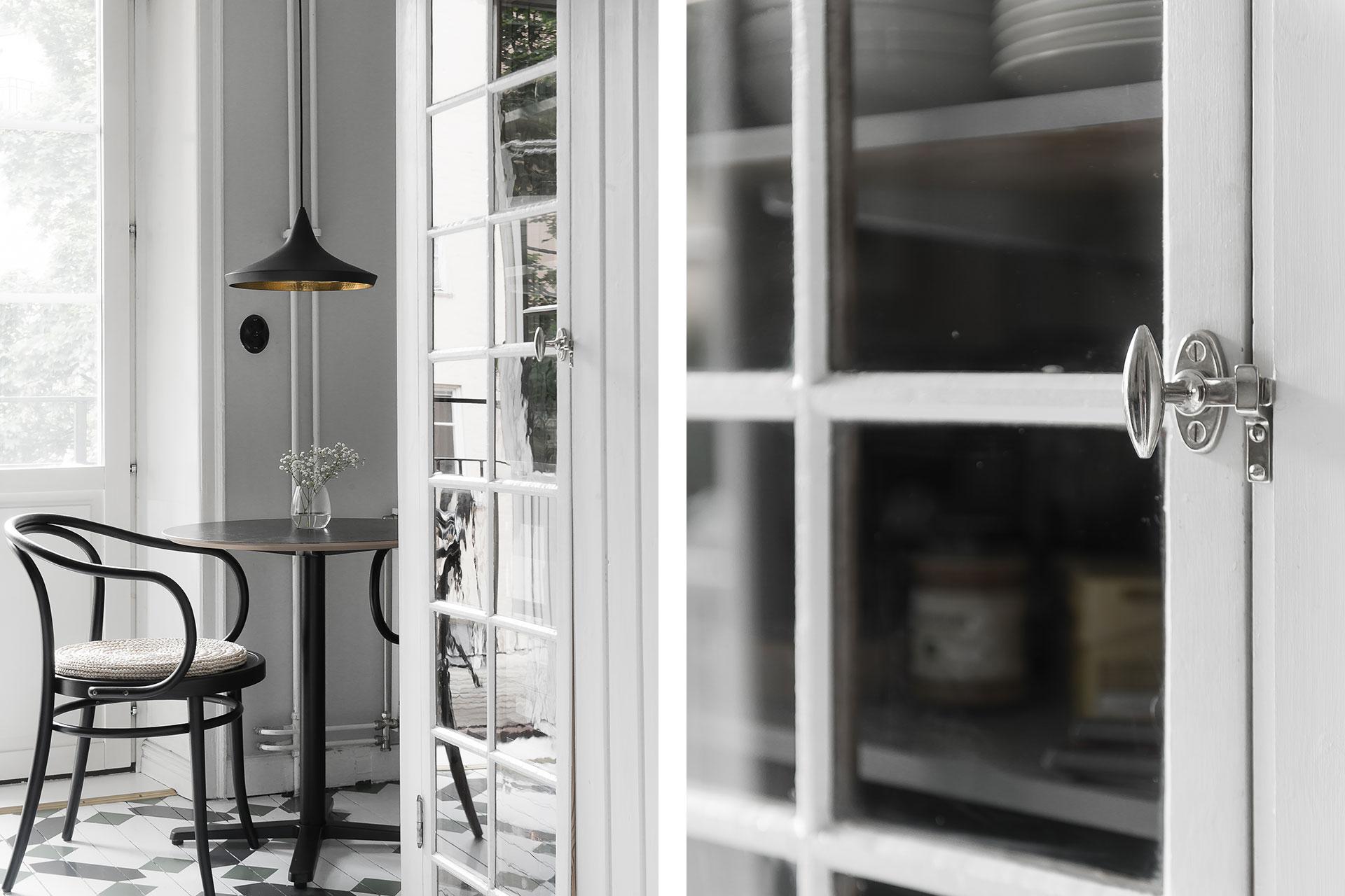Platsbyggt skåp av gammalt fönster – Husligheter