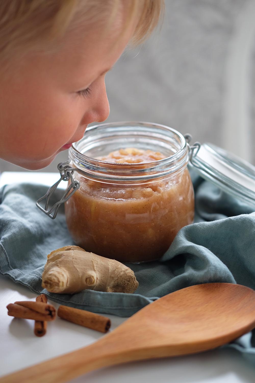 Äppelkompott med kanel och ingefära